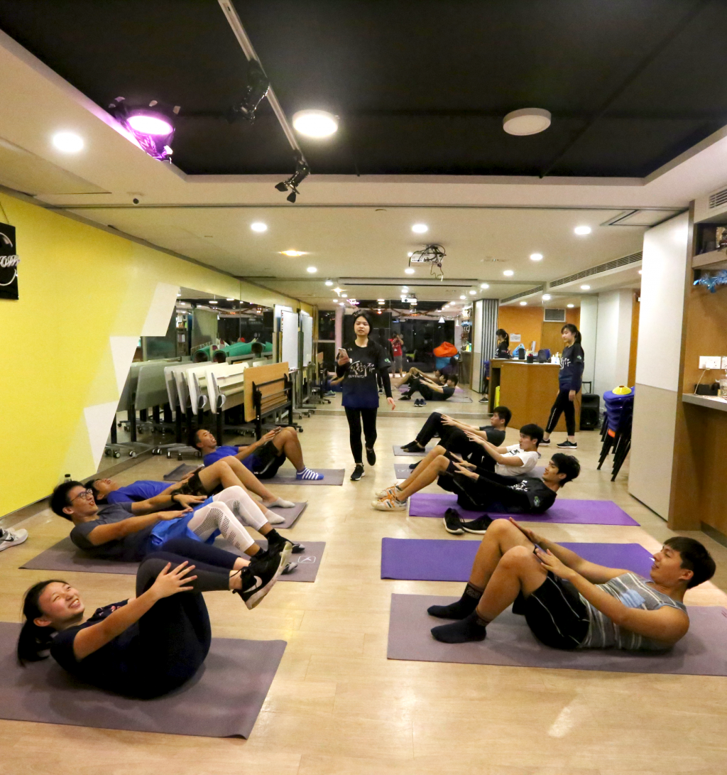 The members acted as coaches to teach stretching exercises, HIIT, Tabata, etc.